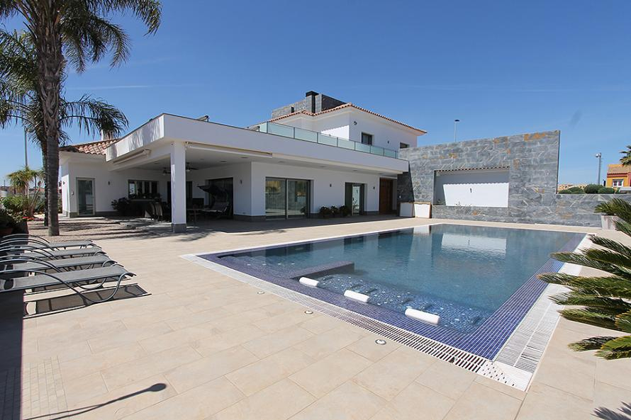 Grote luxe villa met 5 slaapkamers, garage en privé zwembad in San Pedro del Pinatar - Costa Cálida Villa San Pedro del Pinatar