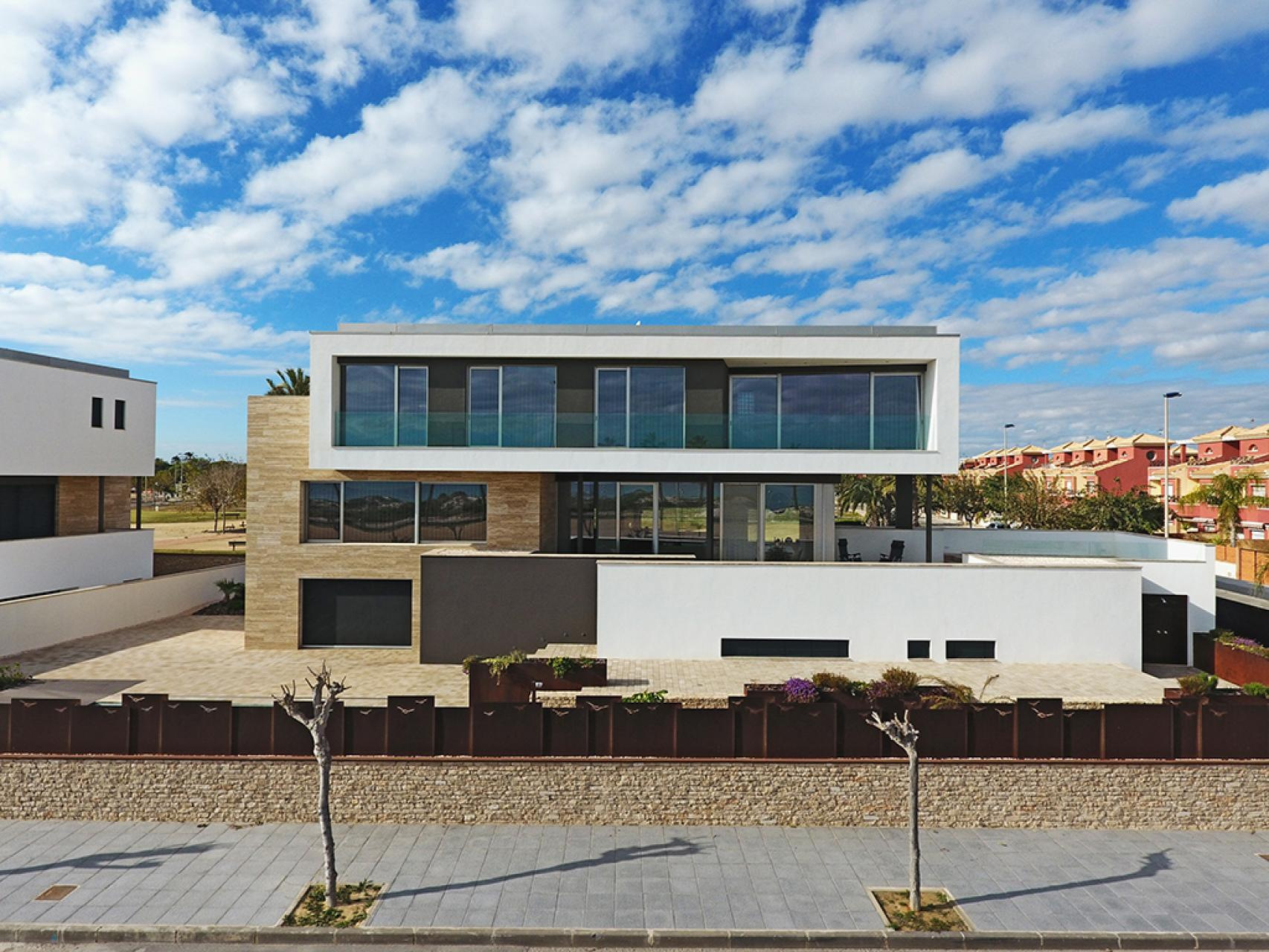 MP9052: Villa for sale in Torre De La Horadada